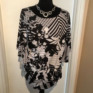 Tops - NEW TANJAY Black & White Blouse NEW w/ tags